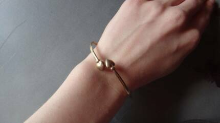 MICHAEL HILL 9CRT GOLD DOUBLE HEART LOVE BRACELET CUFF PROUDS Melbourne CBD Melbourne City Preview