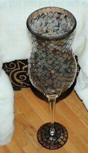 Highly decorative 22'' tall glass