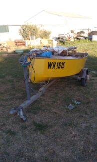 Herron sail boat  Cardross Mildura City Preview