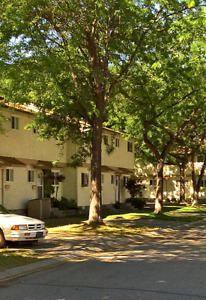 PENTICTON - Available now 3 Bed Townhome
