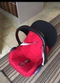 Baby car seat no rain covers maxi cosy good condition