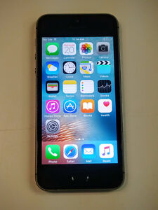 Iphone 5s 16gb black unlocked  With Charger