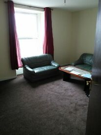ABSOLUTELY BEAUTIFUL 6 BEDROOM STUDENT FLAT OFF PERTH ROAD AND CLOSE TO DUNDEE UNIVERSITY (37ST3F)