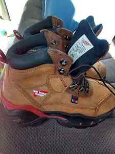 Red wing steel toe boots mens 71\2