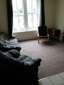 EXCELLENT 4 BEDROOM STUDENT FLAT NEAR ABERTAY UNIVERSITY AND CLOSE TO CITY CENTRE. (1RT2R)