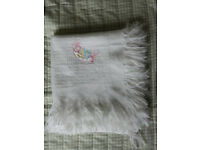 Lightweight summer baby/cot blanket
