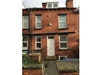 3 bedroom house in Highbury Terrace, Leeds, LS6 (3 bed)