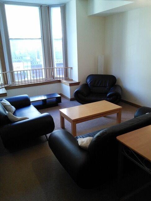 MODERN & LUXURIOUS 2 BEDROOM STUDENT FLAT, CITY CENTRE, CLOSE TO UNIVERSITY OF DUNDEE (3CW)
