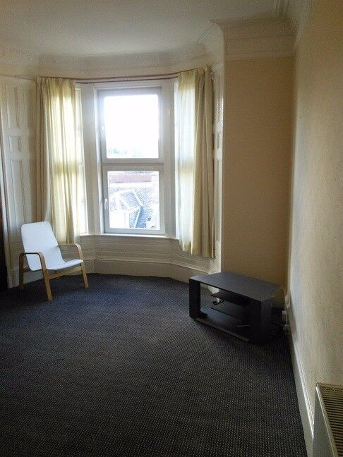 EXCELLENT 2 BEDROOM STUDENT FLAT ON PERTH ROAD. CLOSE TO ...