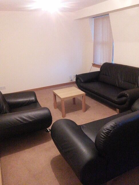 MODERN AND LUXURIOUS 2 BEDROOM STUDENT FLAT IN CITY CENTRE, CLOSE TO UNIVERSITY OF DUNDEE (15CW)