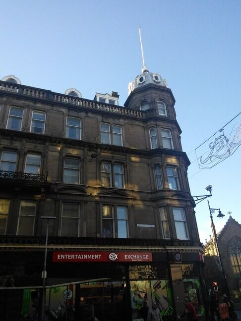 LUXURIOUS AND MODERN 2 BEDROOM STUDENT FLAT, CITY CENTRE, CLOSE TO UNIVERSITY IF DUNDEE(28CW)