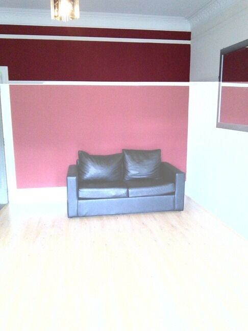 BRIGHT AND SPACIOUS 2 BEDROOM STUDENT FLAT ON PERTH ROAD, CLOSE TO DUNDEE UNIVERSITY(262PR2L)