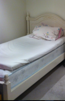 Small double bed - White vintage princess style