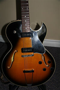 Gibson ES-135 :: Best of All Worlds