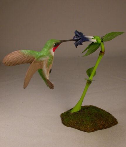 Open-winged Ruby-throated Hummingbird/Birdhug Carvings