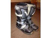Kids Wulfsport Motocross Boots - Size 33 (UK1)