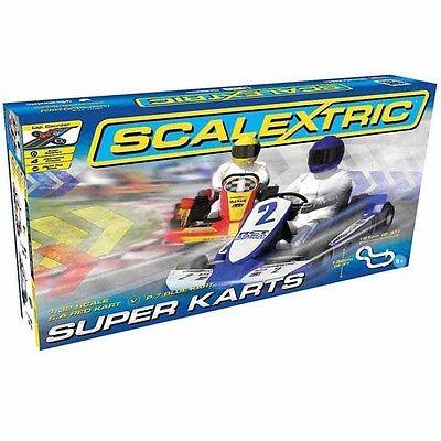 Scalextric C1334T S.A Red / P.7 Blue Super Karts 1/32 Slot Car / Track Set