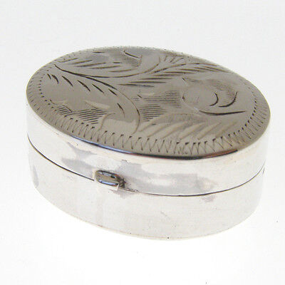 HALLMARKED SILVER OVAL PILL BOX.  SMALL 925 STERLING SILVER ENGRAVED PILL BOX