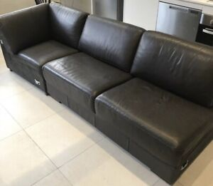 Excellent condition 3 seater leather couch - free delivery