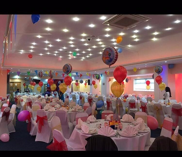 Balloon decoration hire chair covers sashes hire table for Balloon decoration london