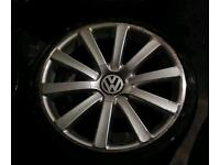 """19"""" 5x112 genuine r32s with tyres"""