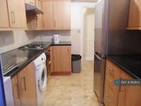 4 bedroom house in Park View Road, London, N17 (4 bed)