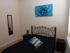Stylish double room in town centre, all bills included, WIFI, broadband, cleaner