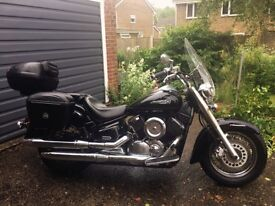 YAMAHA XVS 1100 DRAGSTAR CRUISER 2002 LOW MILEAGE WITH SCREEN & TOURING PANNIERS