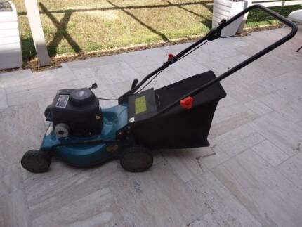 Briggs & Stratton 4 Stroke Lawn Mower
