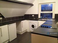 3 bedroom flat in Glenroy Street, Cardiff, CF24 (3 bed)