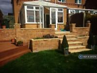 3 bedroom house in Hollins Wood Grove, Barnsley, S72 (3 bed)
