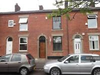 2 bedroom house in Melrose Street, Oldham, OL1 (2 bed)
