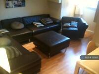 6 bedroom house in Burchett Terrace, Leeds, LS6 (6 bed)