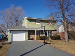 Immaculate & Cozy 4 Bedroom Home in the heart of Cole Harbour!