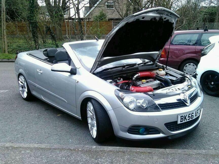 astra twintop vxr show car in loughborough. Black Bedroom Furniture Sets. Home Design Ideas