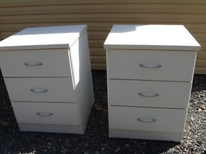 BEDSIDE TABLES - CHEST OF DRAWERS - SIDE TABLES South Grafton Clarence Valley Preview
