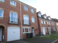***Spacious Modern 5 bedroom Town House***