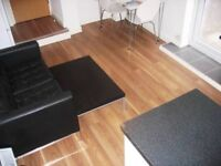 Crwys Road ,**Bills Included**Cathay`s Modern 2 bed flat 2 with en-suite GF Flat ** . Free Wifi **