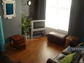3 bedroom house in Avondale Road, London, N15 (3 bed) (#1032391)