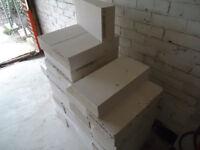 White standard size lightweight blocks 4Kn same as thermalites