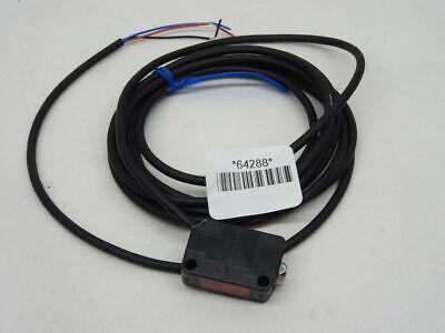 Keyence PZ2-42P Fotoelektrische Sensoren mit eingebautem Messverstärker NEU
