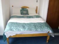 Studio flat in Clyde Road, Manchester, M20