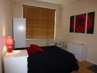 Modern, double room with ensuite, bills, WIFI, couples welcome, Swindon centre
