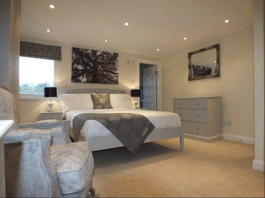 Modern Furnished Accomodation In MARYLEBONE - Couples Welcome - Bills Included
