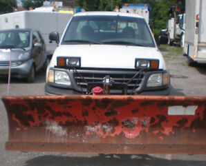 2001 FORD F150 PIckup Truck with Snow Plow, only 97 500 km, 4x4