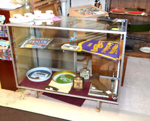 Dealer's Glass Showcase / Display Cabinet