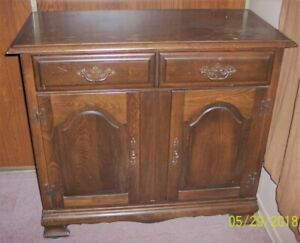 Wood Antique TV Entertainment Unit for Sale $120