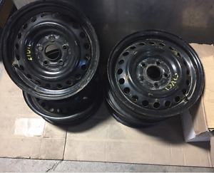 "***Set of 4 15"" rims  ... 5x114.3***"
