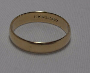 14kt yellow gold wide 5mm Wedding Band (unisex style) - Size 9