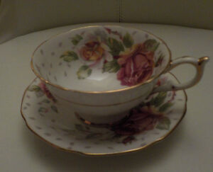 PARAGON BY APPOINTMENT TO HER MAJESTY THE QUEEN TEA CUP & SAUCER Edmonton Edmonton Area image 1